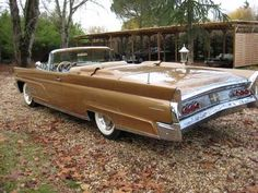 1960 Lincoln Continental Mark V Convertible 1960s Cars, Retro Cars, Vintage Cars, Antique Cars, Lincoln Convertible, Car Paint Colors, Aussie Muscle Cars, Ford Lincoln Mercury, American Classic Cars