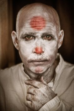 Steve McCurry posed for my Clownville Series. Steve Mccurry, Fine Art Photography, Poses, Fotografia, Figure Poses, Art Photography