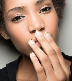 17 New Year's Eve Nails Inspo Pictures | StyleCaster
