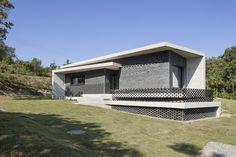 Gutters and Downspouts : Gyopyeong-ri House  | studioorigin