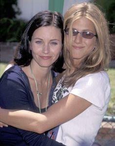 Friends Tv Show, Friends Cast, Friends Moments, Friends Series, Friends Forever, Nancy Dow, Friends Rachel Outfits, Friend Outfits, Jennifer Aniston Photos