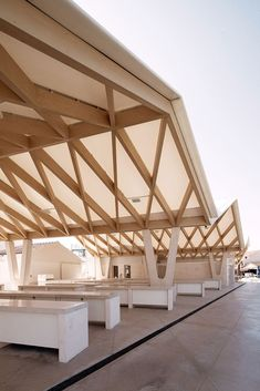7 Refined Simple Ideas: Shed Roofing Home arch roofing architecture. Architecture Design, Timber Architecture, Origami Architecture, Timber Buildings, Parametric Architecture, Roof Design, Ceiling Design, House Design, Design Comercial