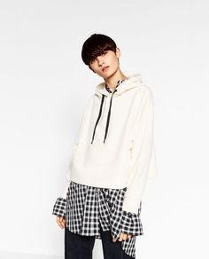 Image 2 of HOODED SWEATER from Zara