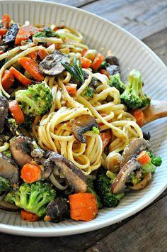 Vegan Creamy Dijon Veggie Pasta - Rabbit and Wolves - Vegan Recipes Veggie Recipes, Whole Food Recipes, Vegetarian Recipes, Cooking Recipes, Cooking Icon, Cooking Fish, Noodle Recipes, Cauliflower Recipes, Veggie Food