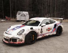 Worn-Out Martini Livery Porsche 911 GT3 RS Has Awesome Beater Look