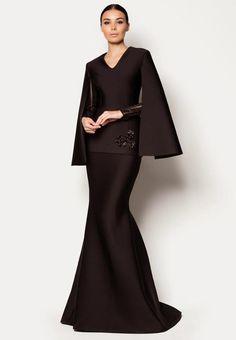 19 Koleksi Elegen Hari Raya And The City Rekaan Designer Fizi Woo. Batik Fashion, Hijab Fashion, Fashion Dresses, Event Dresses, Modest Dresses, Prom Dresses, Look Fashion, Womens Fashion, Fashion Design