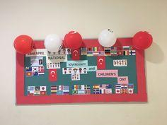 23 Nisan Panosu hazırlıklarında yabancı diller panosu