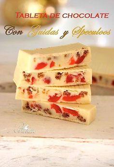 Tableta de chocolate blanco con guindas y speculoos