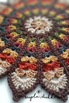 Crochet Leaf Patterns, Crochet Leaves, Crochet Circles, Doily Patterns, Crochet Motif, Crochet Designs, Crochet Doilies, Crochet Stitches, Crochet Square Blanket