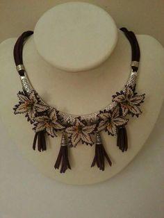 Neşe'nin gözdeleri Lace Flowers, Crochet Flowers, Lace Jewelry, Crochet Jewellery, Needle Lace, Lace Embroidery, Lace Making, Tatting, Needlework