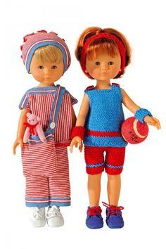 Poupées marie et claire en tenue de sport en coto ou tricotée, rouge et bleue
