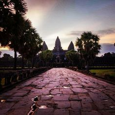The approach to Angkor Wat in #Cambodia. Photo courtesy of tmingi on Instagram.