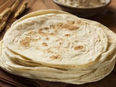 Texas-style flour tortillas require a cast iron skillet, of course. I'm presently in Texas and have (vintage, natch!) cast iron, so I will give this recipe a try and report back! Recipes With Flour Tortillas, Homemade Flour Tortillas, Mexican Food Dishes, Mexican Food Recipes, Ethnic Recipes, Main Dishes, Cake Recipes, Snack Recipes, Snacks