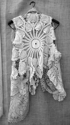 A feminine lacy Bohemian top made from vintage doilies. Inspiration for free form crochet. Doilies Crafts, Crochet Doilies, Lace Doilies, Gilet Crochet, Knit Crochet, Mode Crochet, Linens And Lace, Diy Clothing, Vintage Lace