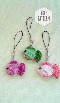 Crochet Keychain Fish Pattern Knitting ProjectsKnitting For KidsCrochet Hair StylesCrochet Ideas Crochet Diy, Crochet Amigurumi, Crochet Gifts, Amigurumi Patterns, Crochet For Kids, Crochet Tops, Crochet Fish Patterns, Knitting Patterns, Crochet Mignon