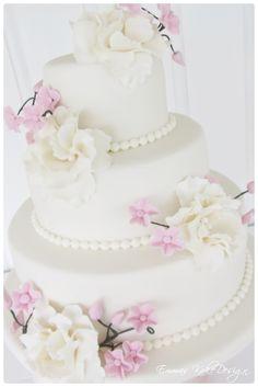 Bilderesultat for bryllupskaker Diy Step By Step, Fondant Rose, Beautiful Wedding Cakes, Cake Tutorial, Cake Decorating, Sweets, Snacks, How To Make, Tutorials