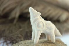 White wolf totem by hontor