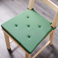 JUSTINA Chair pad, green, This chair pad is made for long, delicious dinners. The soft foam filling will make even the most restless feel relaxed at the table. Chaise Ikea, Ikea Canada, Bar Stool Cushions, Deux Faces, Spandex Chair Covers, Mousse Polyuréthane, Pink Sofa, Camper Makeover, Vestidos