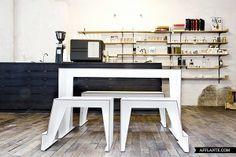 Compact Café Table // Sigurd Larsen | Afflante.com
