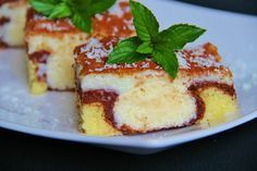 Slices of cheesecake - coconut balls Coconut Balls, Different Cakes, Desert Recipes, Cheesecake Recipes, No Bake Cake, Tiramisu, Waffles, French Toast, Deserts