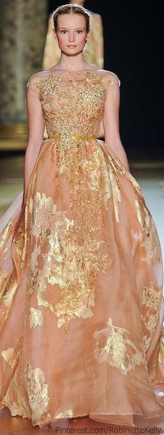 Elie Saab at Couture Fall 2012 -- Lovely dress and the model looks very much like a Barbie doll Elie Saab Couture, Fashion Week, Love Fashion, High Fashion, Elegance Fashion, Fashion Vintage, Style Fashion, Beautiful Gowns, Beautiful Outfits