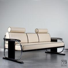 Art deco sofa, chrome-plated tubular steel, leather upholstery, stained wood 1935, Zeitlos, Berlin
