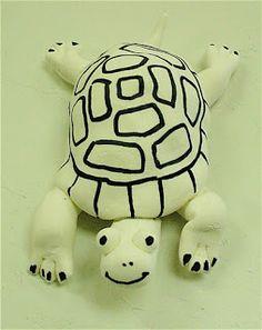 Clay turtle, for kids. Clay Turtle, Pet Turtle, 3d Art Projects, School Art Projects, Clay Pinch Pots, Abc School, 4th Grade Art, Grade 2, Art Club