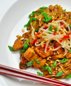 This is a delicious Dan Dan Noodle Recipe which is a copycat of PF Changs Dan Dan Noodles! Try this noodle recipe, we know you'll love it.