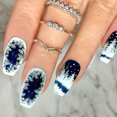 42 Cute Winter Nails Designs to Inspire Your Winter Mood - Nail Art - Nageldesign Holiday Nail Art, Christmas Nail Art Designs, Winter Nail Art, Winter Nail Designs, Winter Nails, Pretty Nail Designs, Christmas Design, Xmas Nails, Christmas Nails