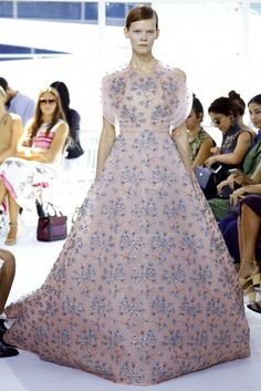 See how Delpozo #SS16 blended two beloved muses to reimagine the modern woman.