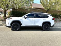 Toyota Rav4 Hybrid, Toyota 4runner, Best Small Suv, Rave 4, Captain Jack, First Car, Car Accessories, Happy Life, Cars Motorcycles