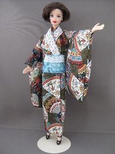 Barbie Kimono met kant. €5. Zelfgemaakte Barbie kleding te koop via Marktplaats bij de advertenties van Nala fashion. Homemade Barbie doll clothes (OOAK) for sale through Marktplaats.nl Verkocht/Sold