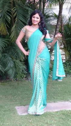 How am i guys - Hari Priya - Indian Actress Hot Pics, Indian Actresses, Samantha Photos, Saree Navel, Beautiful Saree, Beautiful Women, Beautiful Bollywood Actress, Indian Beauty Saree, Indian Outfits