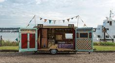 Mobile shop ideas. A Steampunk Caravan Theatre from Dizzy O'Dare