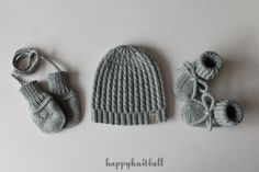 Knit baby beanie booties mittens set