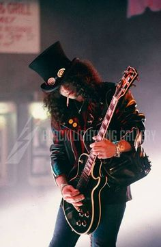Slash In Estranged Video... This Solo Is One Of The Best