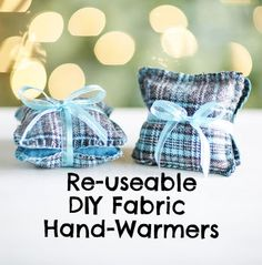 Handwarmers are so expensive and you can only use them once! Make your own re-useable DIY Fabric Hand-warmers just in time for the cold season! Get this DIY holiday craft and more here! | DIY handwarmers!