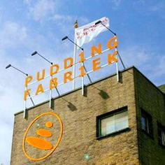 Puddingfabriek (Groningen) De Puddingfabriek is een bedrijfsverzamelgebouw in de Nederlandse stad Groningen. De Puddingfabriek staat direct ten zuidoosten van het Groninger hoofdstation 3 kB (284 woorden) - 11 dec 2014 22:06