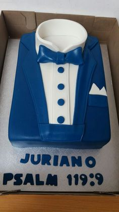 Royal blue and white suite cake Royal Blue Shirts, Confirmation Cakes, Shirt Cake, Birthday Cakes For Men, Suit And Tie, Baby Car Seats, Blue And White, Children, Kuchen