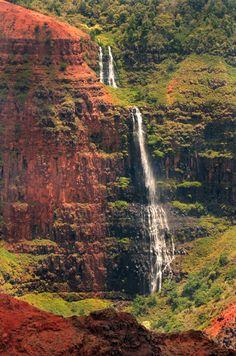 Waipo'o Falls Kaua'i Hawai'i