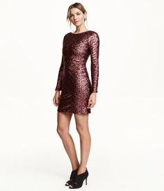 Short fitted dress in sequined jersey. Low-cut V-neck at back, horizontal strap across back of neck, concealed silicone strap at shoulders, and concealed zip at back. Lined. | Party in H&M
