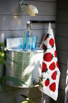 hand washing love this idea for outside. if you could get some rain water in here. love the soap Outdoor Toilet, Outdoor Sinks, Outdoor Bathrooms, Outdoor Rooms, Outhouse Bathroom, Outhouse Decor, Tiny House Cabin, Tiny House Design, Small Cabin Kitchens