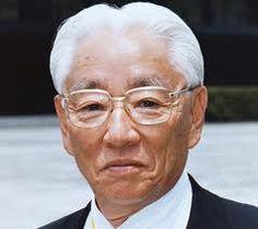 Akio Morita - Walkman 1979 - Akio Morita - Nagoya, 26 de janeiro de 1921 - Tóquio, 3 de outubro de 1999- foi um inventor, empresário japonês, co-fundador da Sony Corportation.