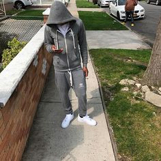 Instagram media by tymars_realryte - NIGGAS LOOKING FOR ME THEY KNOW WHERE TO FIND ME.... I CAUGHT A COUPLE ROLLS ICED MY NECK TO REMIND ME