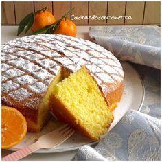 Torta+soffice+al+mandarino Clementine Cake, Nutella, Citrus Cake, Italian Cake, Torte Cake, Plum Cake, Almond Cakes, Mini Foods, Sweet Cakes