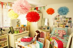 Gorgeous idea for a girls party.  PomPom tutorial at http://images.marthastewart.com/images/content/pub/weddings/2006Q1/msw_spring06_pompom_xl.jpg