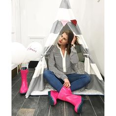 Hope no one minds if I just camp out at #JoulesEdinburgh for the night :two_hearts: A store FULL of colour and stripes - I might never leave... @thankfifi | #Joules #Ootd #wellies #RightAsRain #colourlove #JoulesClothing #Teepee #glamping #stripes #party