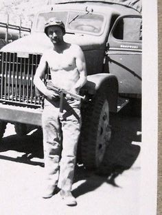 WW2 AAA SQUAD CUTE SHIRTLESS MUSCLE SOLDIER BOY MAN GAY INT VINTAGE PHOTO #28