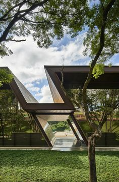 Serra Dourada Club - Alphaville by Architect Gustavo Penna . Architecture Durable, Art Et Architecture, Futuristic Architecture, Sustainable Architecture, Amazing Architecture, Contemporary Architecture, Architecture Details, Contemporary Design, Architecture Geometric