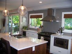 Grey Tile Splash, White counter top